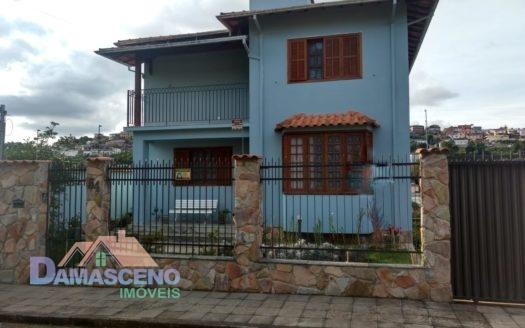 Casa no Bairro Santa Tereza em Barbacena-C374