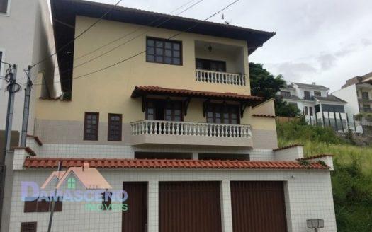 Casa no Bairro São Jorge em Barbacena-C485