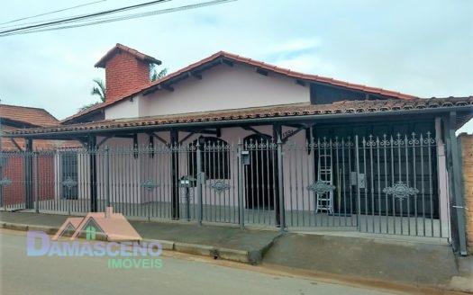 Casa no Bairro Monte Mario em Barbacena-C338